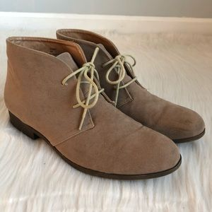 Steve Madden Dezzert Tan Sueded Lace Up Booties 10